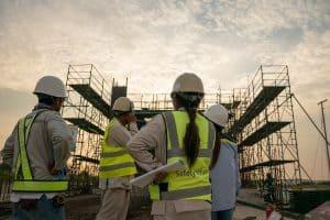 קבלנים באתר בניה
